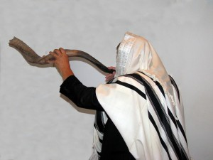 Blowing-the-Shofar