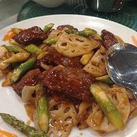 Filet-Mignon-Lotus-Root-Asparagus