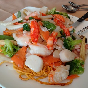 Golden-Dynasty-Seafood-Delight-Pan-Fried-Noodles
