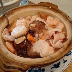 Seafood-Combo-Hot-Pot