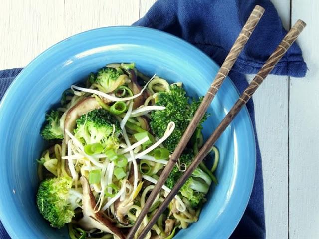 zucchini-noodle-lo-mein