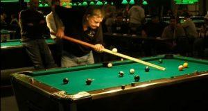 play-pool-with-chop-sticks